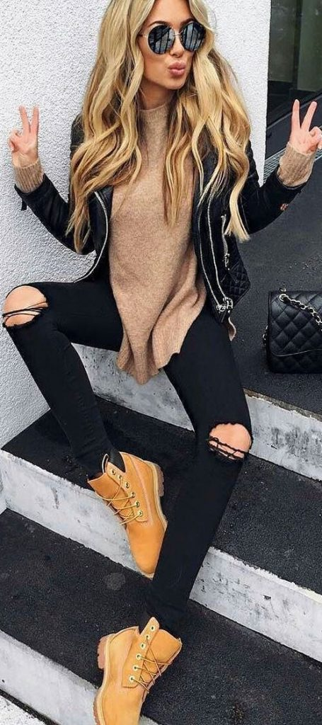 #fall #outfits / Black Quilted Jacket - Beige Tunic