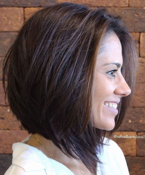 Short Layered Haircuts for Women with Thick Hair-12