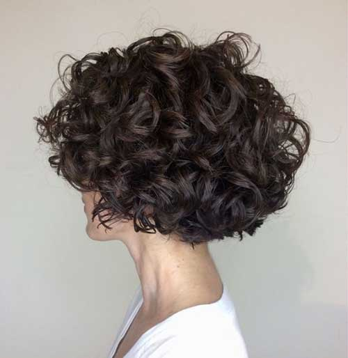 Short Layered Haircuts for Women with Thick Hair -8