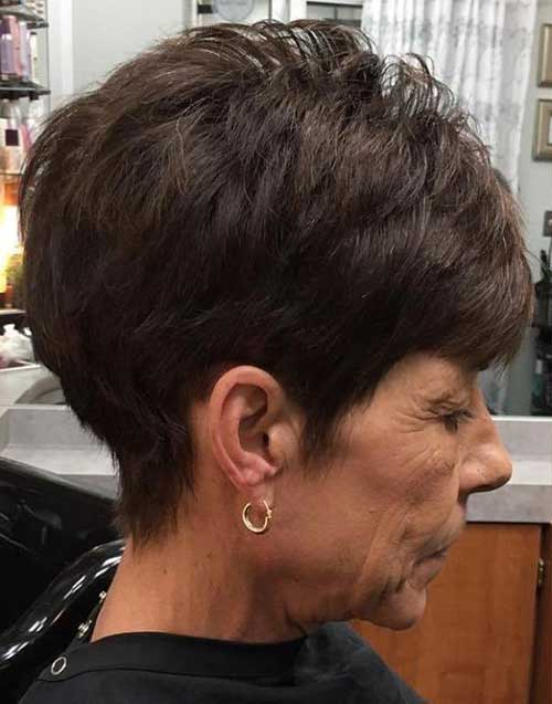 Short Haircuts for Older Ladies-11