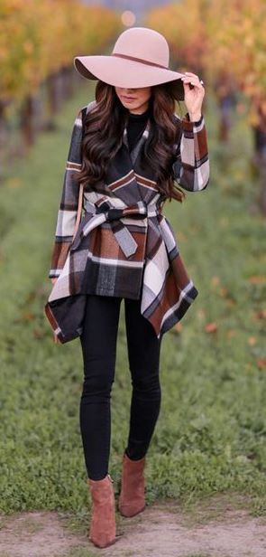 #fall #outfits / Beige Hat - Plaid Cardigan