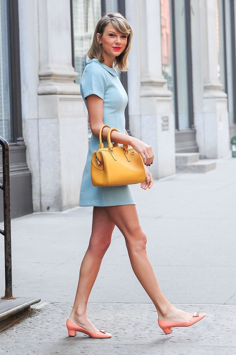 Blue short dress and pink high heels