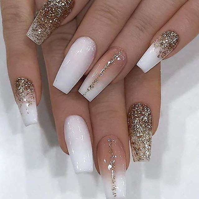 24 Great Winter Gold Glitter Nail Arts For Career Women Wass Sell