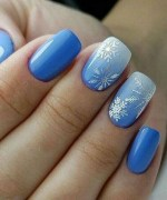 25 Awesome Winter Nail Arts to Light You Up
