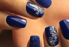 These 15 Glossy Navy Nail Art Ideas Will Make Your Day in Winter