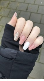 25 Elegant White Nail Art Ideas that You will Love for Winter