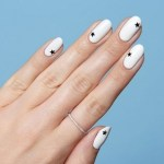 16 Brilliant Crisp White Nail Art Designs