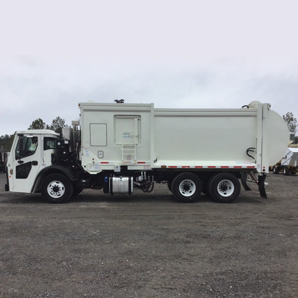 Used 2020 Mack / McNeilus Side Loader