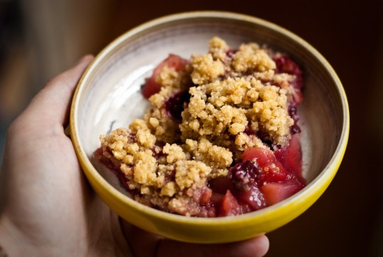 crumble rood fruit