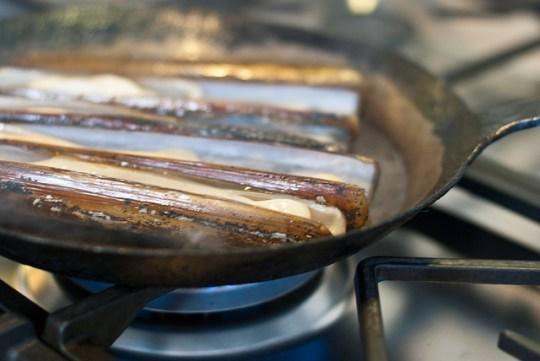 Scheermessen in de pan
