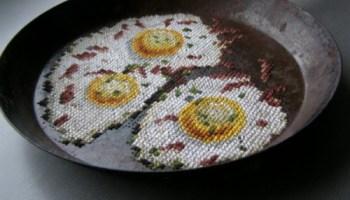 Geborduurd gebakken ei van Severija Incirauskaite - Kriauneviciene