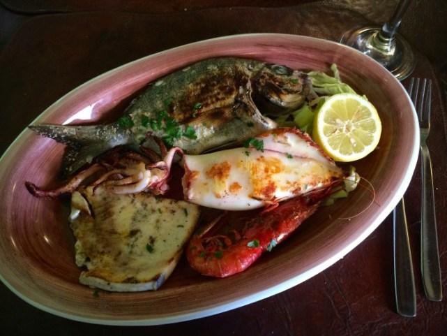 Dankzij de Slow Food app: gebakken vis bij Taberna Sveva in Siracusa