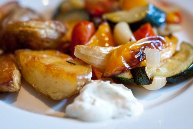 geroosterde groenten en patatten