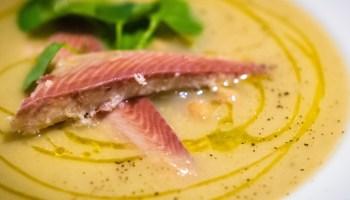 Uit Polpo: zijdezachte soep van venkel en kikkererwten