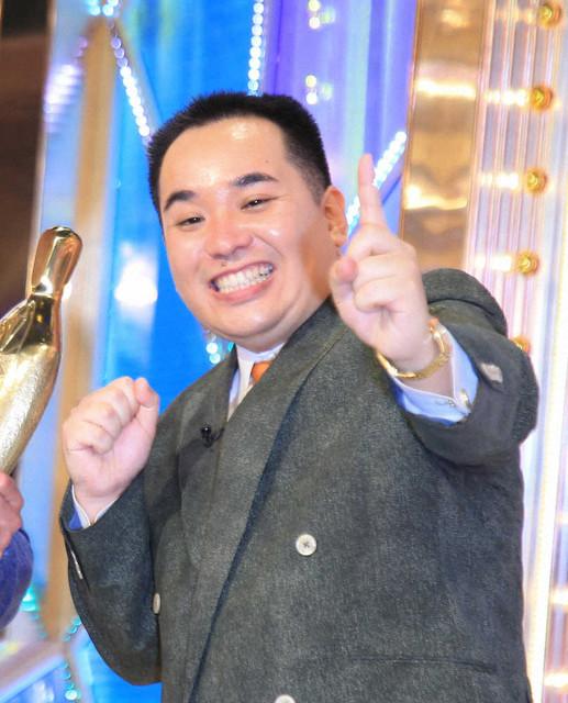 【いい話】ミルクボーイ・内海、なじみの理容店に「52万円」のイス寄贈「次はおっちゃんと2人で歌出そか」