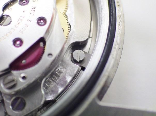 時計修理技術者コラムVol.34 ムーブメントの固定方法と固定部品の不具合~ロレックス編~