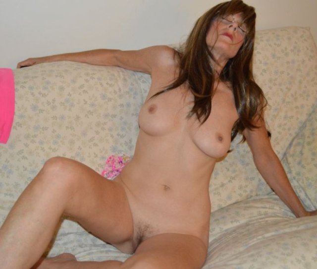 Zeena Poses For You 5