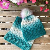 Cable stitch hat and neck warmer