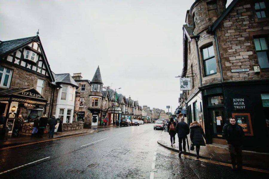 The Best of Scotland in One Week (A complete 7-Day Itinerary) | Watch Me See | Scotland might be small, but if you look closer it seems hard to fit your entire bucket list into a week-long holiday! This complete 7-day itinerary for Scotland includes an ideal route for Scotland in one week, recommended activities, restaurants and accommodation and more tips to make this a trip of a lifetime!