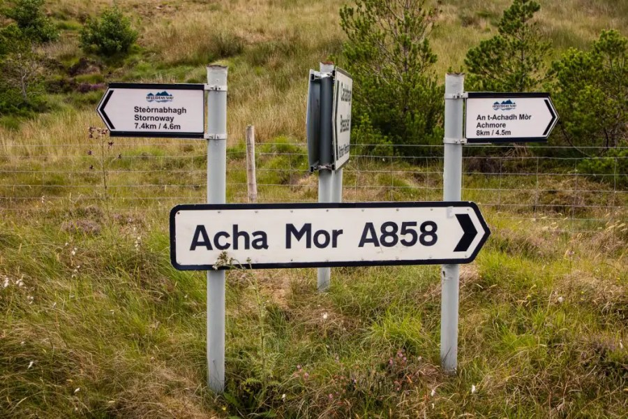 A distance marker post near Stornoway.