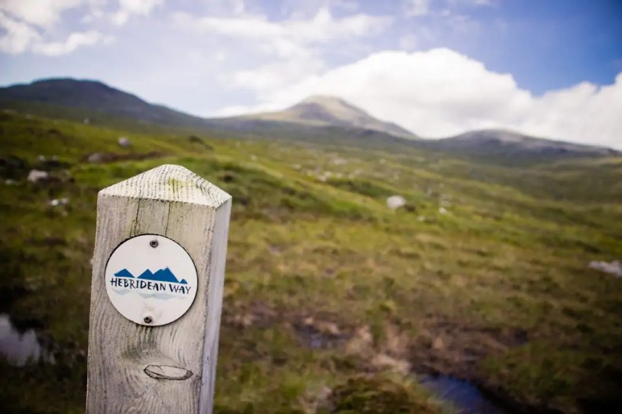 A waymarker for the Hebridean Way on Harris.