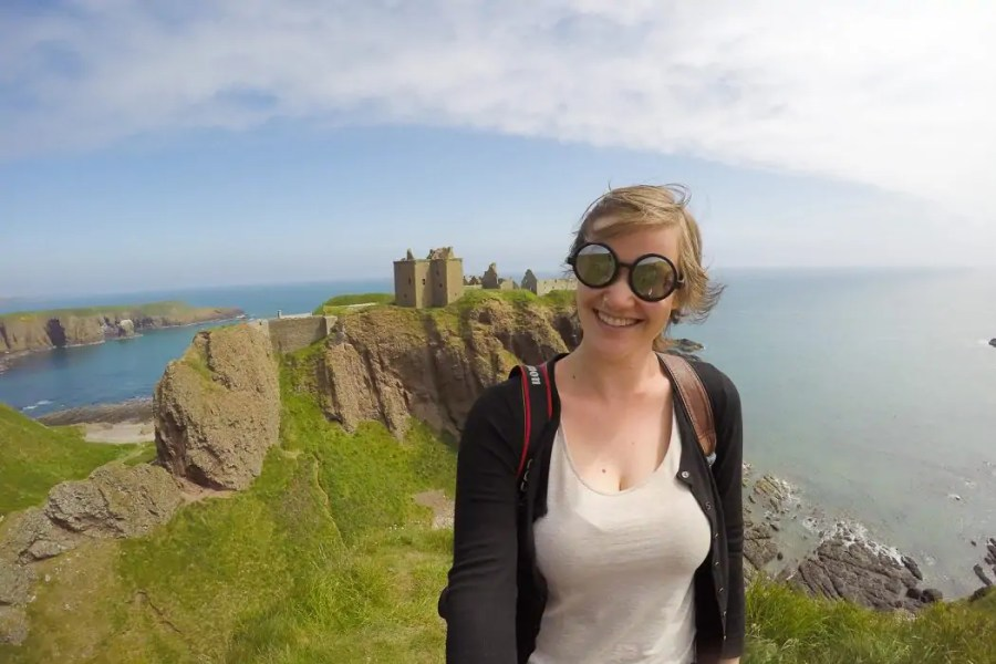 Making a bucket list for Scotland is super easy because there are so many dreamy places that you just have to see. Let's start with Dunnottar Castle!