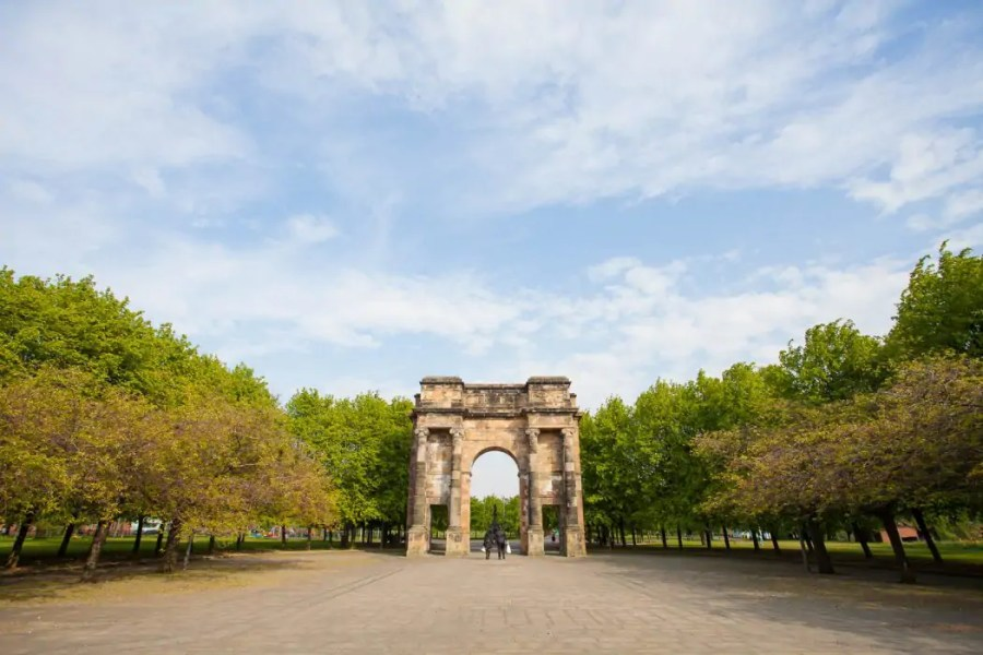 A grand entrance to Glasgow Green.