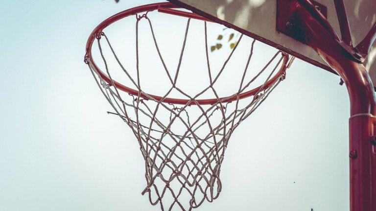 Best Portable Basketball Hoop For Dunking