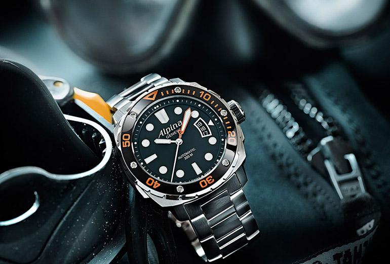 lpina-Extreme-Diver-300-Orange-wwg-02