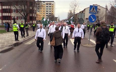 neo-nazi protestor_204727