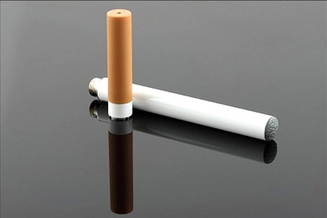 Lexington bans e-cigarettes in bars, restaurants_17950