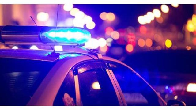 POLICE LIGHTS AND BLURRY LIGHTS BACKGROUND_generic_1548216989912.jpg.jpg