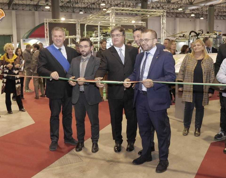 Watec-Italy-2018-Cremona-grand-opening-mayor-and-Deputy-from-Regionale-Lombardia