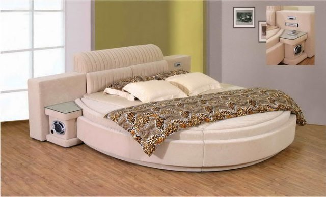 Round bed Verona: Including DVD player with boxes. Upholstered with ...