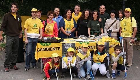 """Demolita baracca abusiva a Parma, grazie a """" Puliamo il mondo"""""""