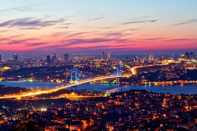 """Istanbul: il ponte fra due """"rive"""""""
