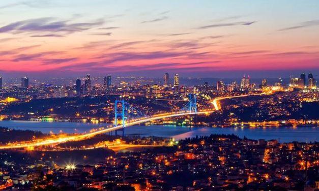 Da un continente all'altro. Il confine d'acqua a Istanbul