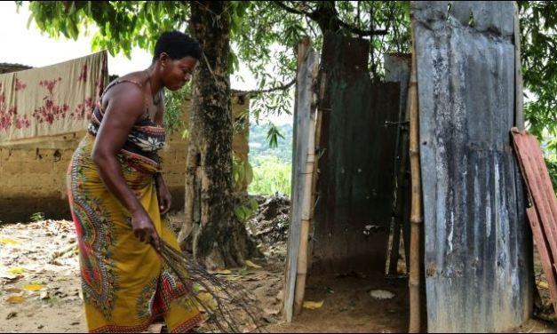 """Toilet day. """"Festeggiarla"""" a Kinshasa. 2.4 milirdi di persone senza bagno domestico"""