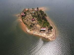 matu island helikopterview