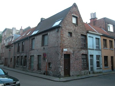 Gelukstraat 44 (hoek Oudevest). Foto: Dirk Boncquet, juni 2003.