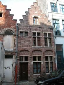 Sint-Katelijnestraat 8. Foto: Dirk Boncquet, juni 2003.