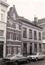 voorgevel met hoekgebouw Goudstraat. Beeld: BML, opname: 1975