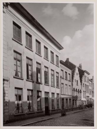 Gevelrij 4-16 in 1942