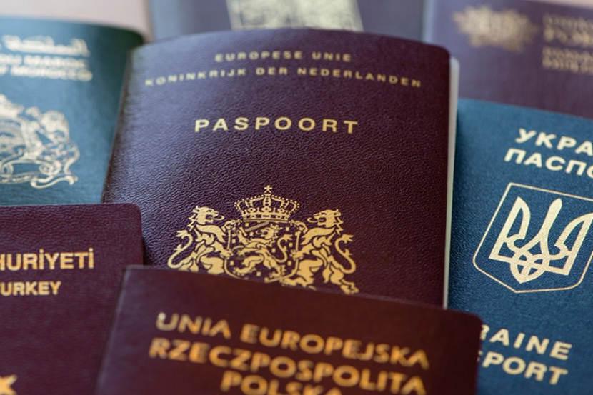 Paspoort gevonden of rijbewijs verloren.