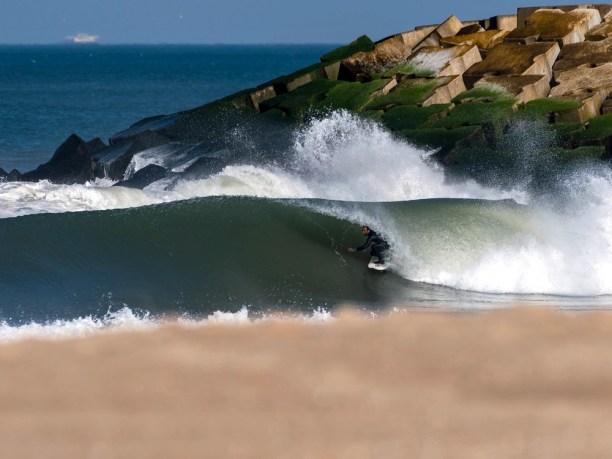 Die Wellen in Espinho zählen zu den besten in Nordportugal.
