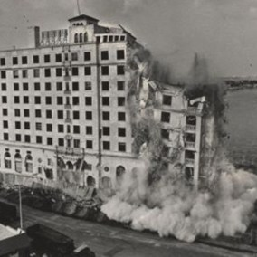 Floridian Hotel demolition, 1987.