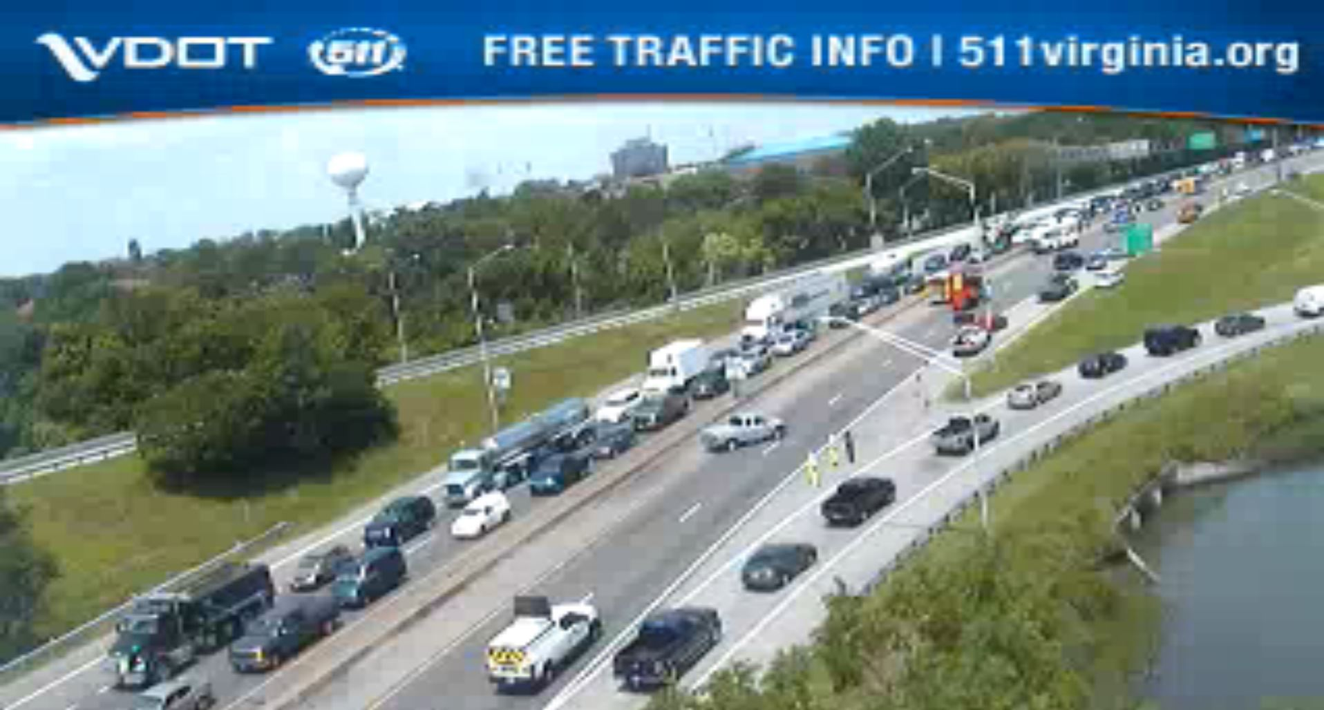 Crash causes delay for I-64 West traffic in Hampton