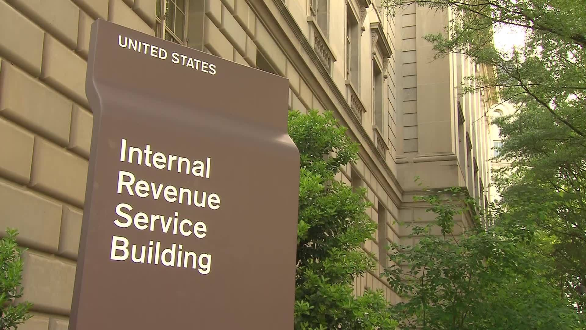 File_video_of_IRS_building__tax_forms_5_20190116133814