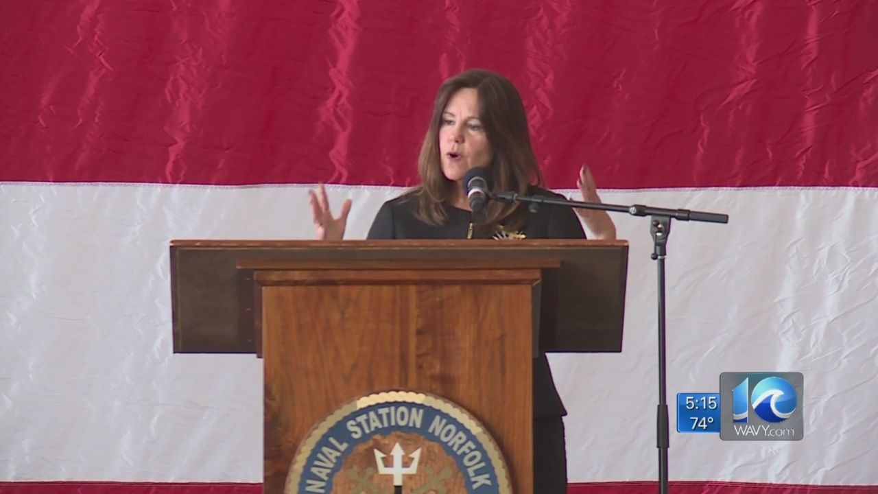 Second Lady Karen Pence visits with military families in Norfolk