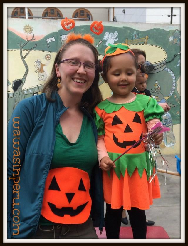 mommy daughter pumpkins